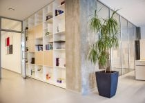 Hostens office library